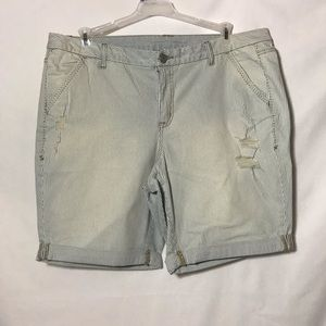 Womens Stressed Shorts